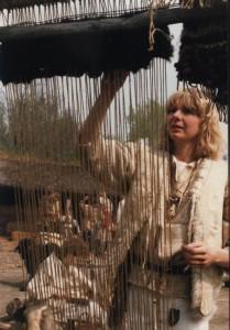 p, textiel, Inge oefent met gedraaide lonten