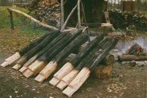 1,  bouw smidse, aanbranden van de staanders