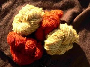 Yde wol geel en rood
