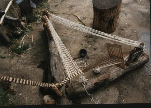p, textiel, band weven op de weefbok