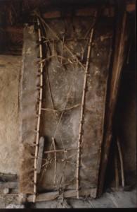 Archeon, achterkant van deur van ongelooide huid,