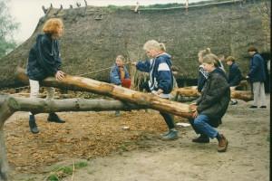 13, prehistorisch spelletje, balkwippen